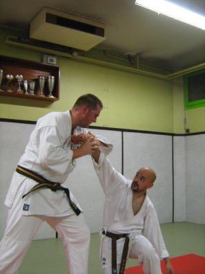self defense, Activité à Robion, Vaucluse